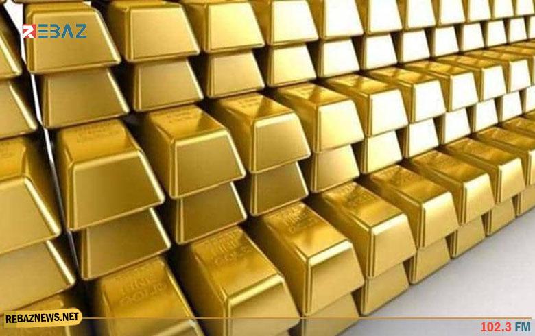 الذهب ينزل عن أعلى مستوى في 3 أسابيع والدولار يستقر